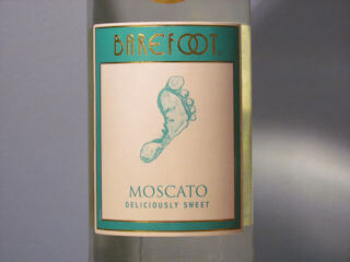 Barefoot Moscato Wine Review